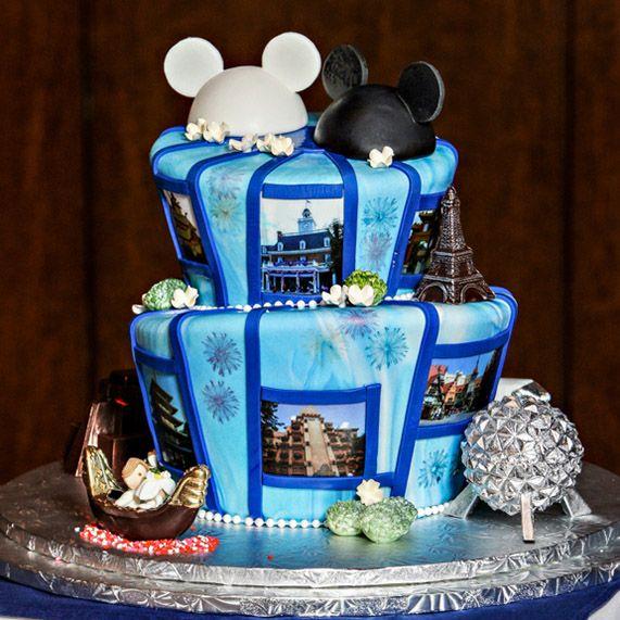 8 Photos of Walt Disney World Christmas Cakes