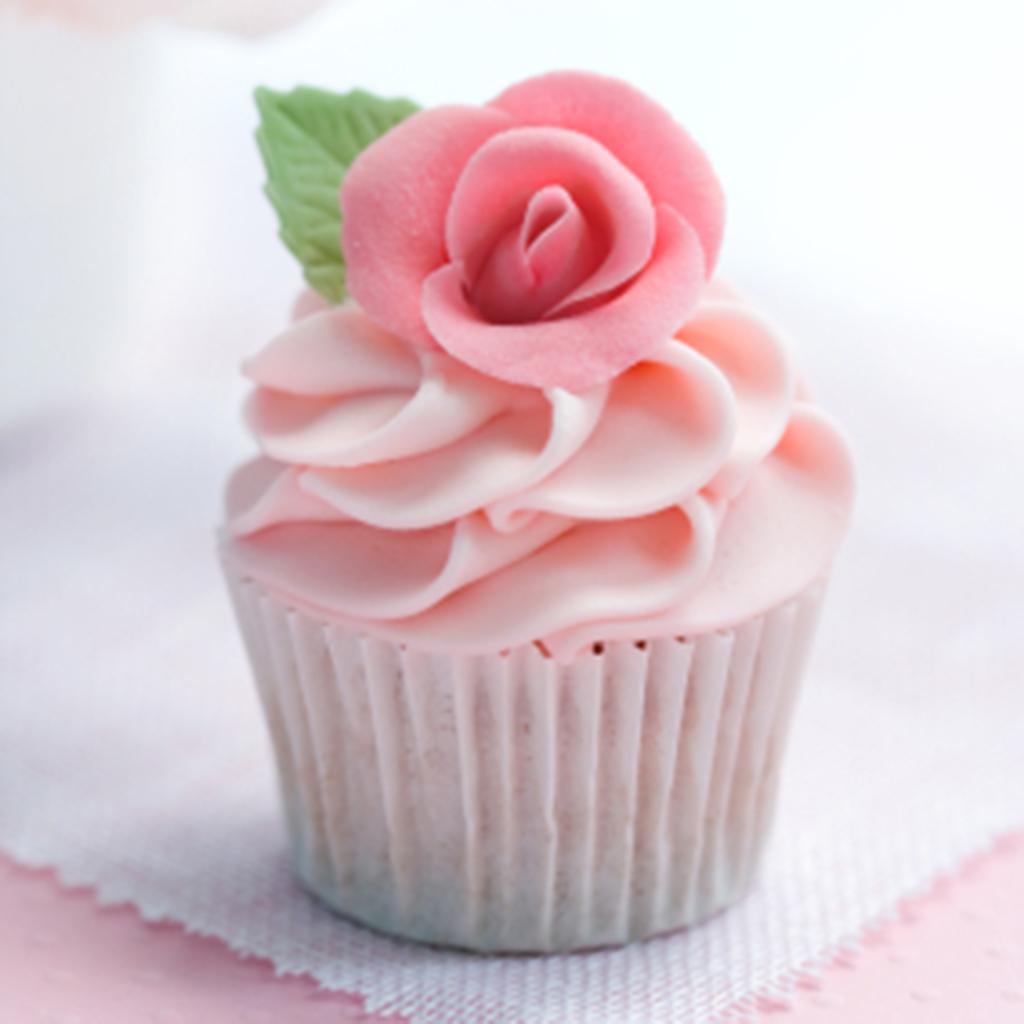 Fondant Decorated Cupcakes Flowers