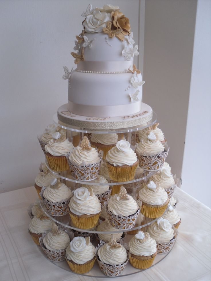 Gold Wedding Cake and Cupcake Ideas