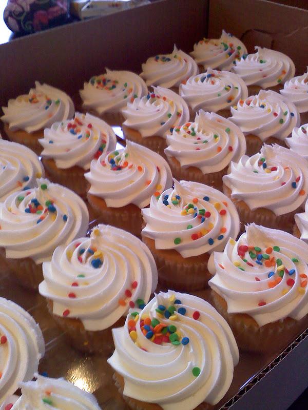 Sam's Club Bakery Cupcake Cake