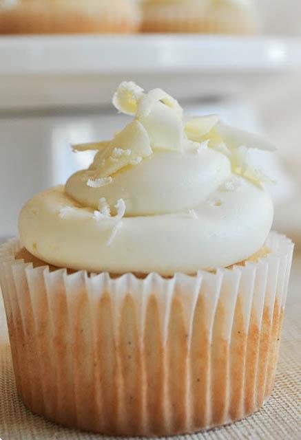 White Chocolate and Vanilla Cupcakes