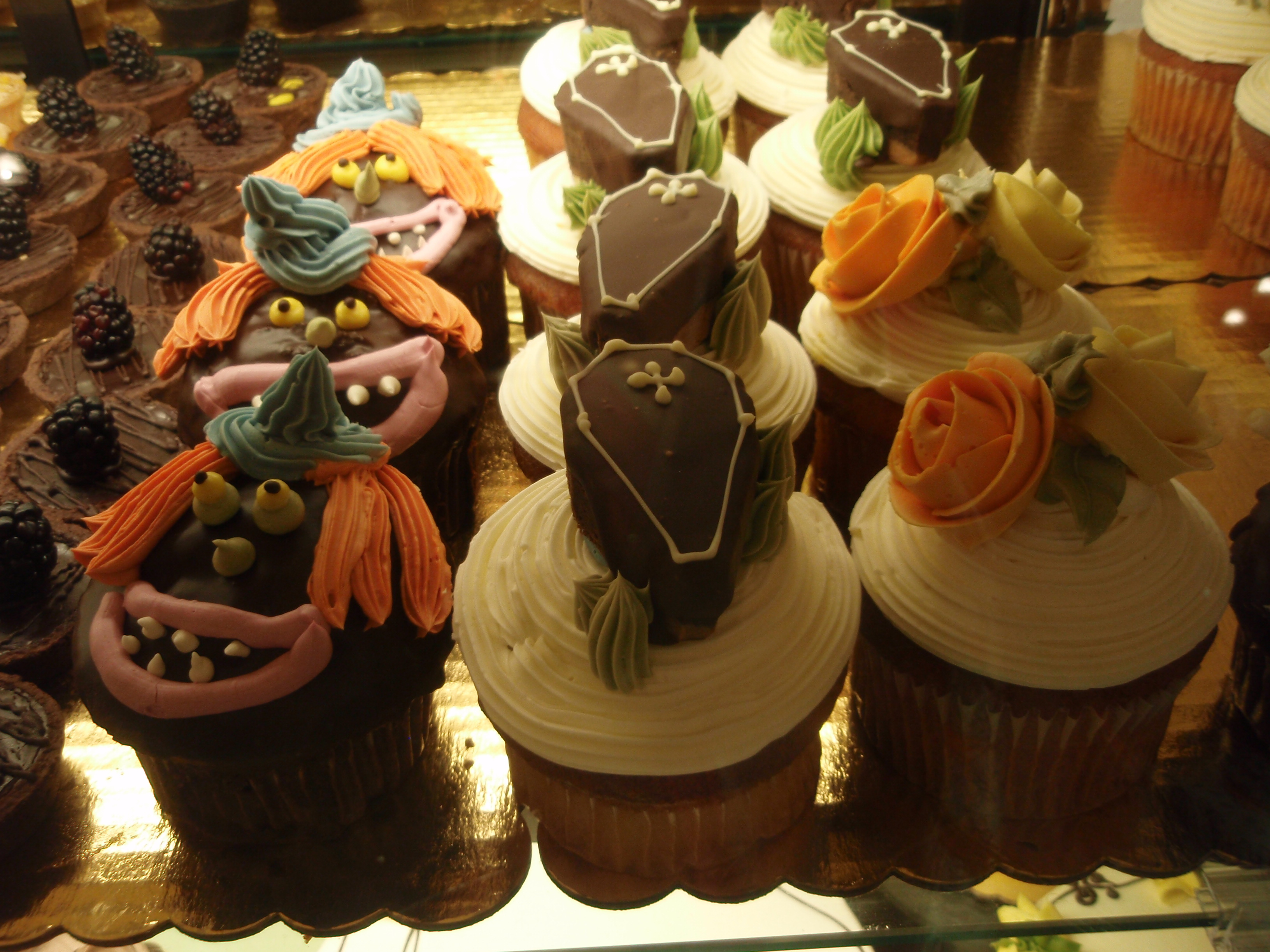 6 Photos of Square Halloween Cupcakes