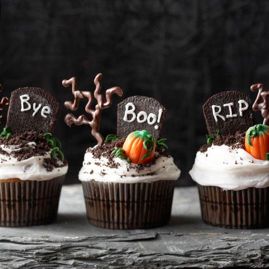 11 Photos of Graveyard Cupcakes Halloween Cakes