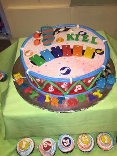 Images of Musical Instruments Birthday Cake