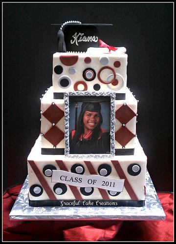 13 Photos of Masculine Square Graduation Cakes