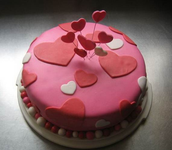Valentine's Cake Decorating Idea