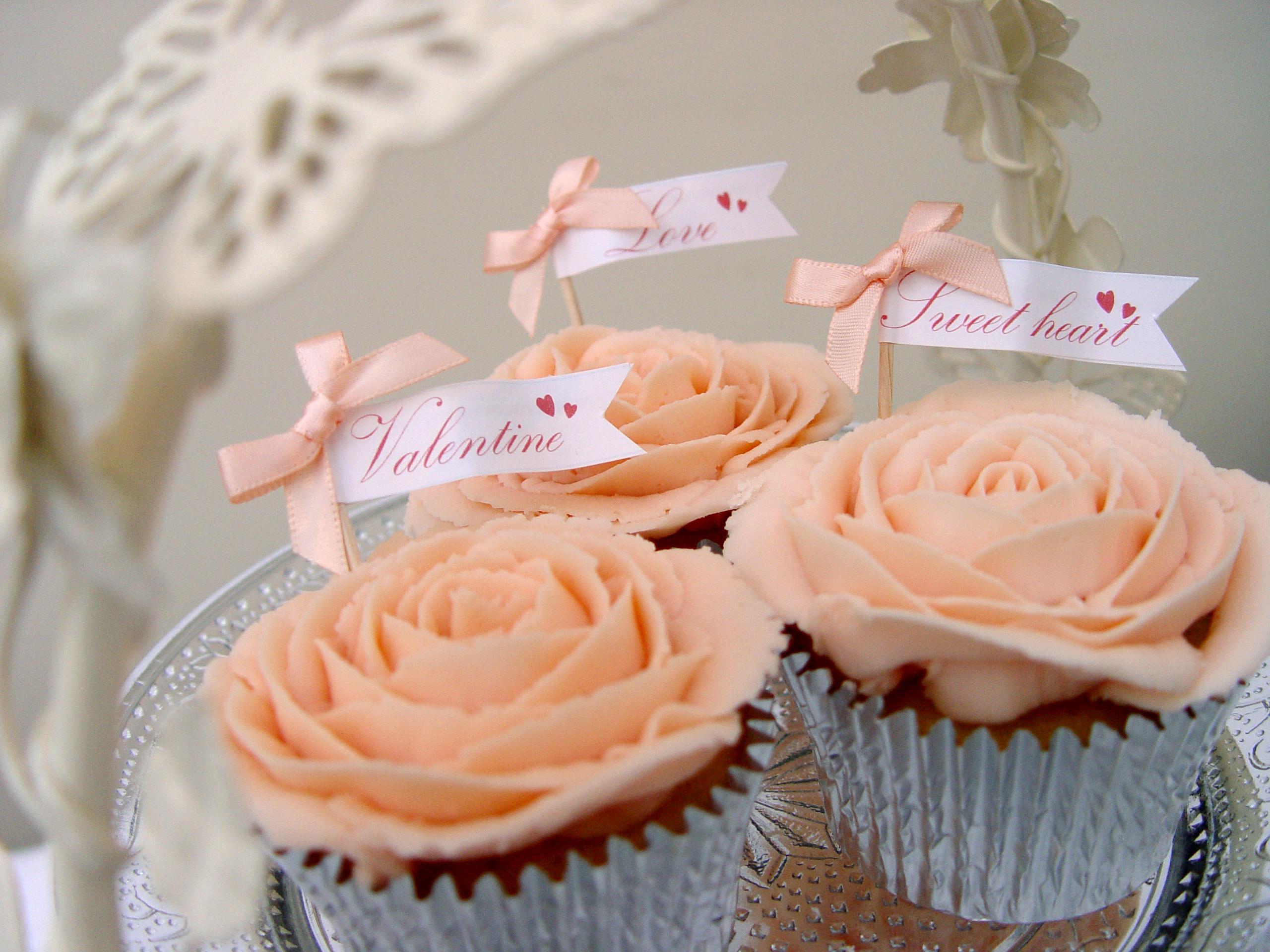 Valentine's Day Cupcakes Cake