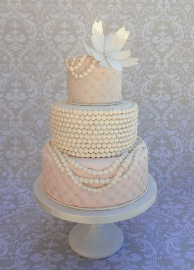 Wedding Cakes Decorated with Pearls