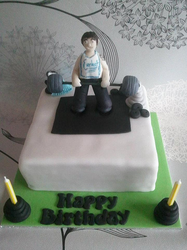 Weight Lifting Birthday Cake