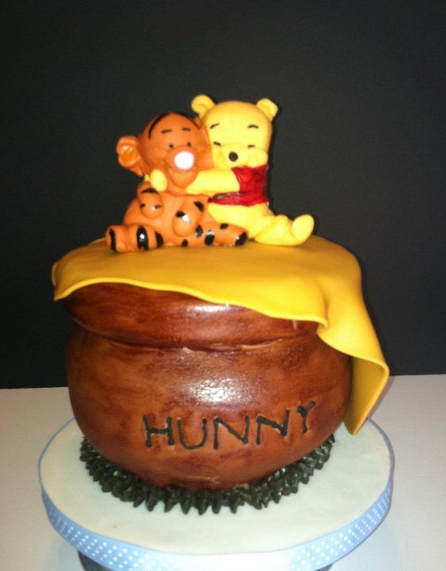 Winnie Pooh Baby Shower Cake