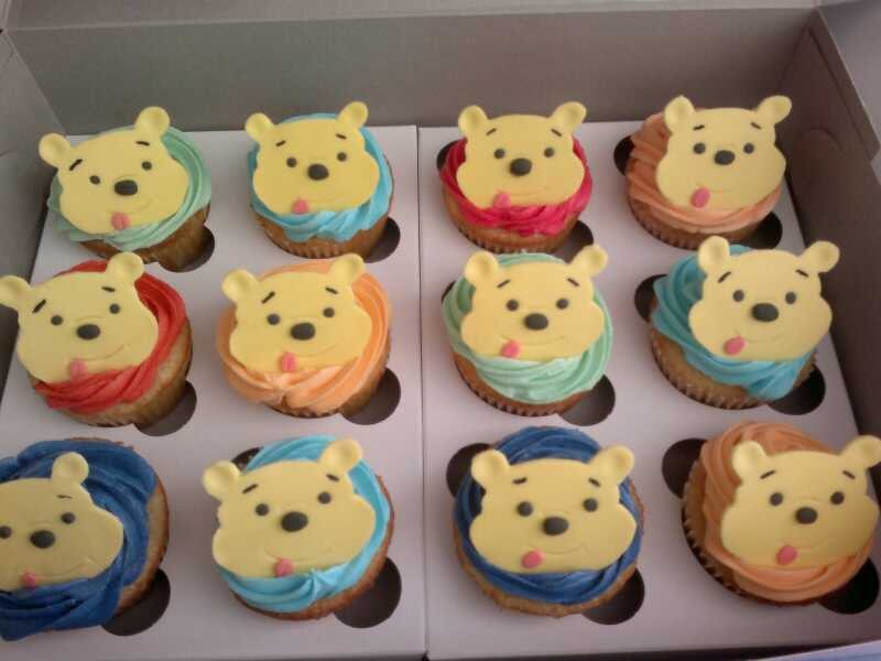 Winnie Pooh Cupcakes Cake