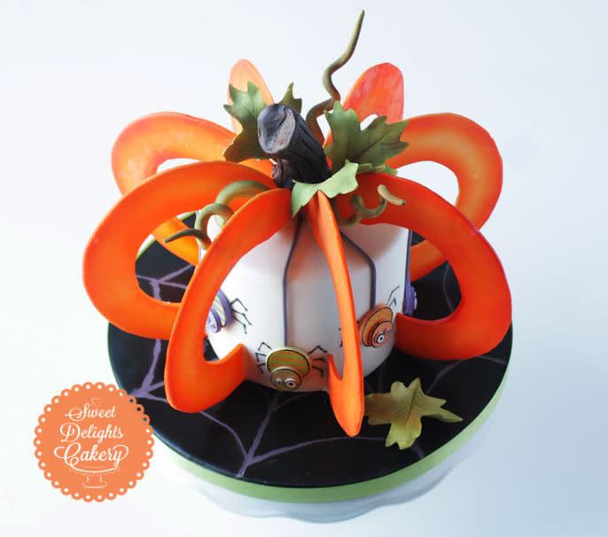 3D Halloween Pumpkin Cake