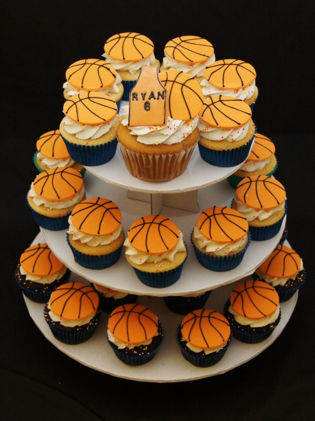 10 Photos of Basketball Cake And Cupcakes