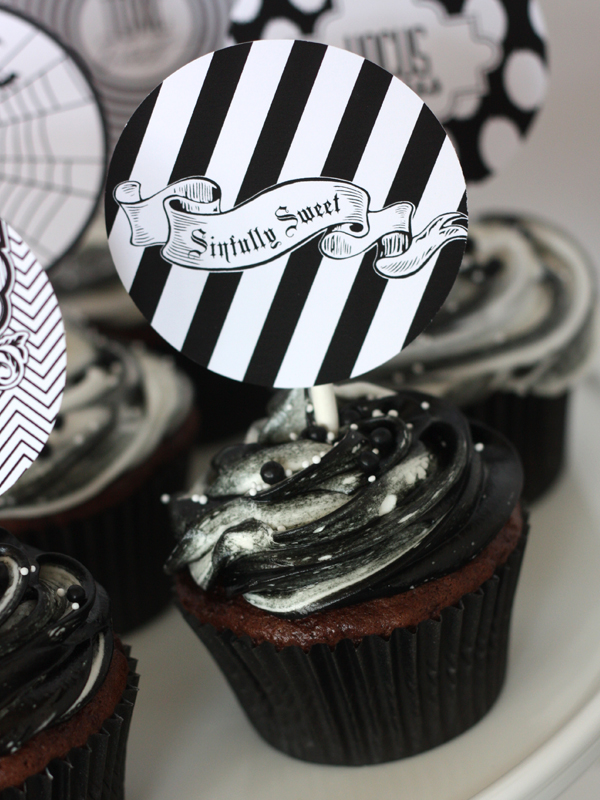 8 Photos of Sophisticated Halloween Cupcakes