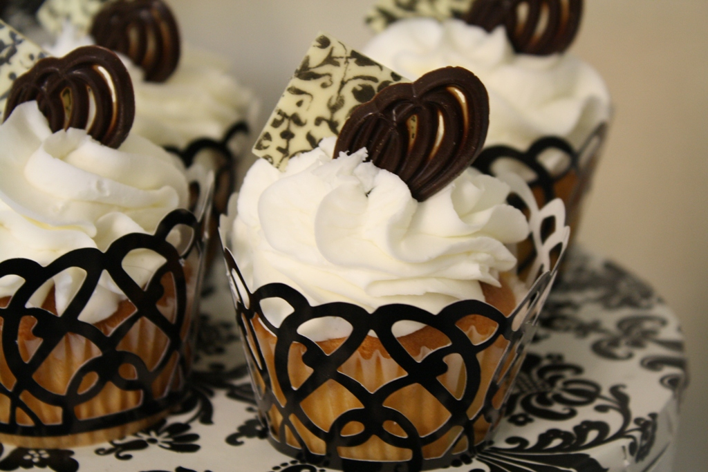 Black and White Wedding Cupcakes