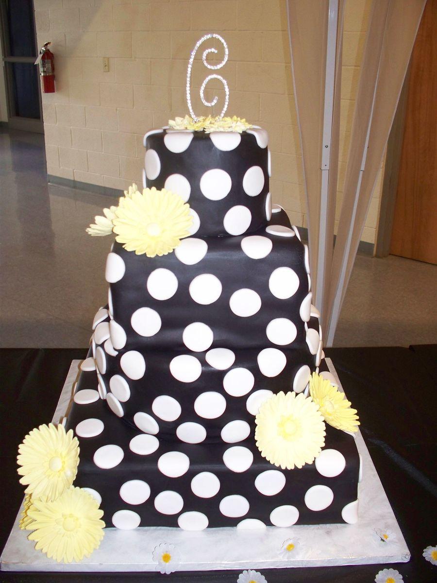 Black & White Polka Dot Wedding Cake