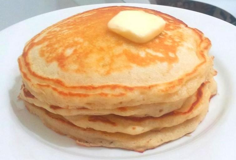 9 Photos of Fluffy Buttermilk Pancakes From Scratch