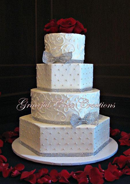 Elegant Wedding Cakes with Bling