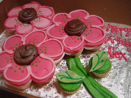 Flower Cupcake Cake Ideas
