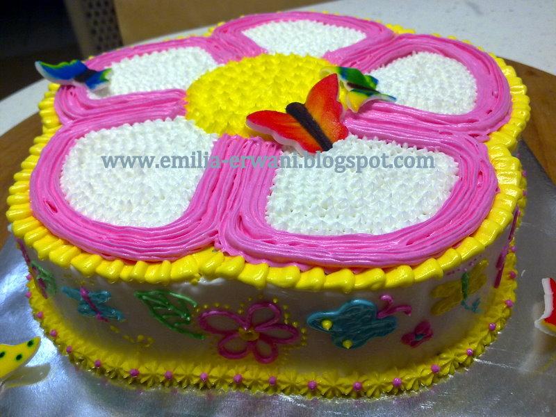 Flower Shaped Cake