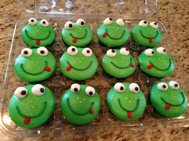 Frog Cupcake Cake