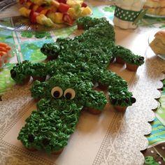 Gator Cupcake Cake
