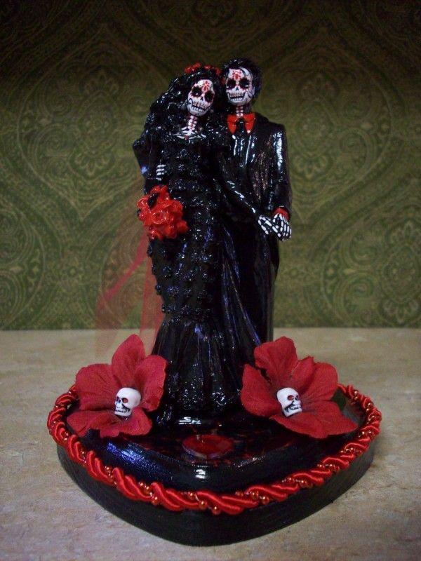 Gothic Wedding Cakes - Dark Side of Love