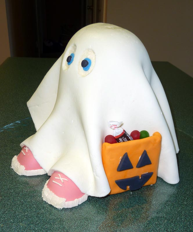 10 Photos of Scary Cakes Halloween Ghosts
