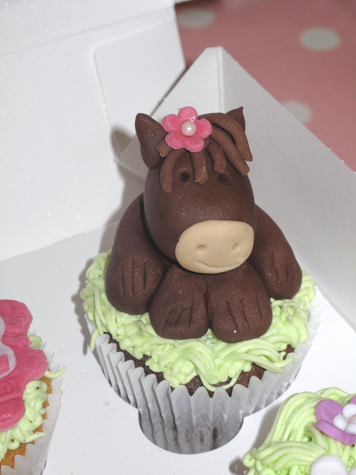 Horse Themed Birthday Cupcakes