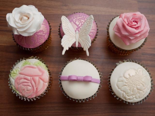 How to Make Wedding Cupcakes