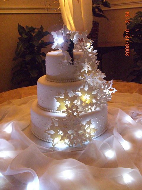 Light-Up Wedding Cake