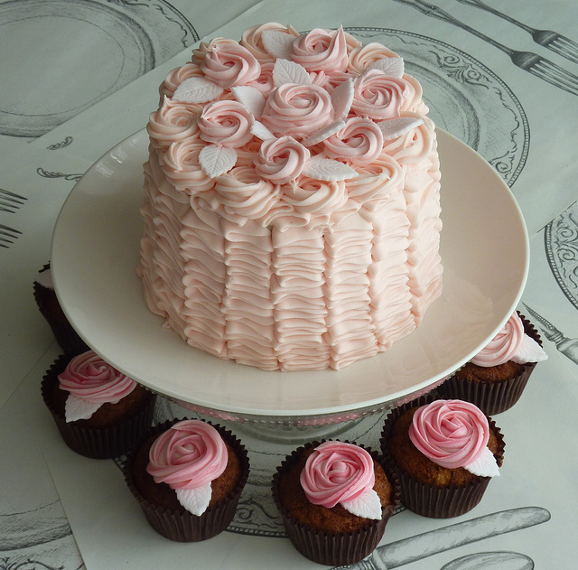 Ruffle Cake with Buttercream