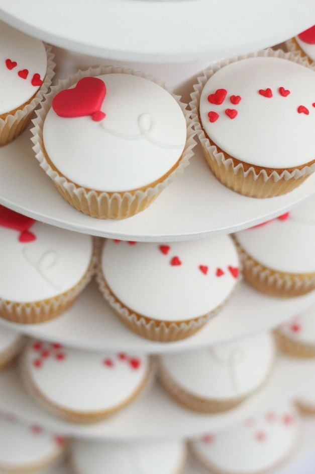 9 Photos of Cute Easy Valentine's Day Cupcakes