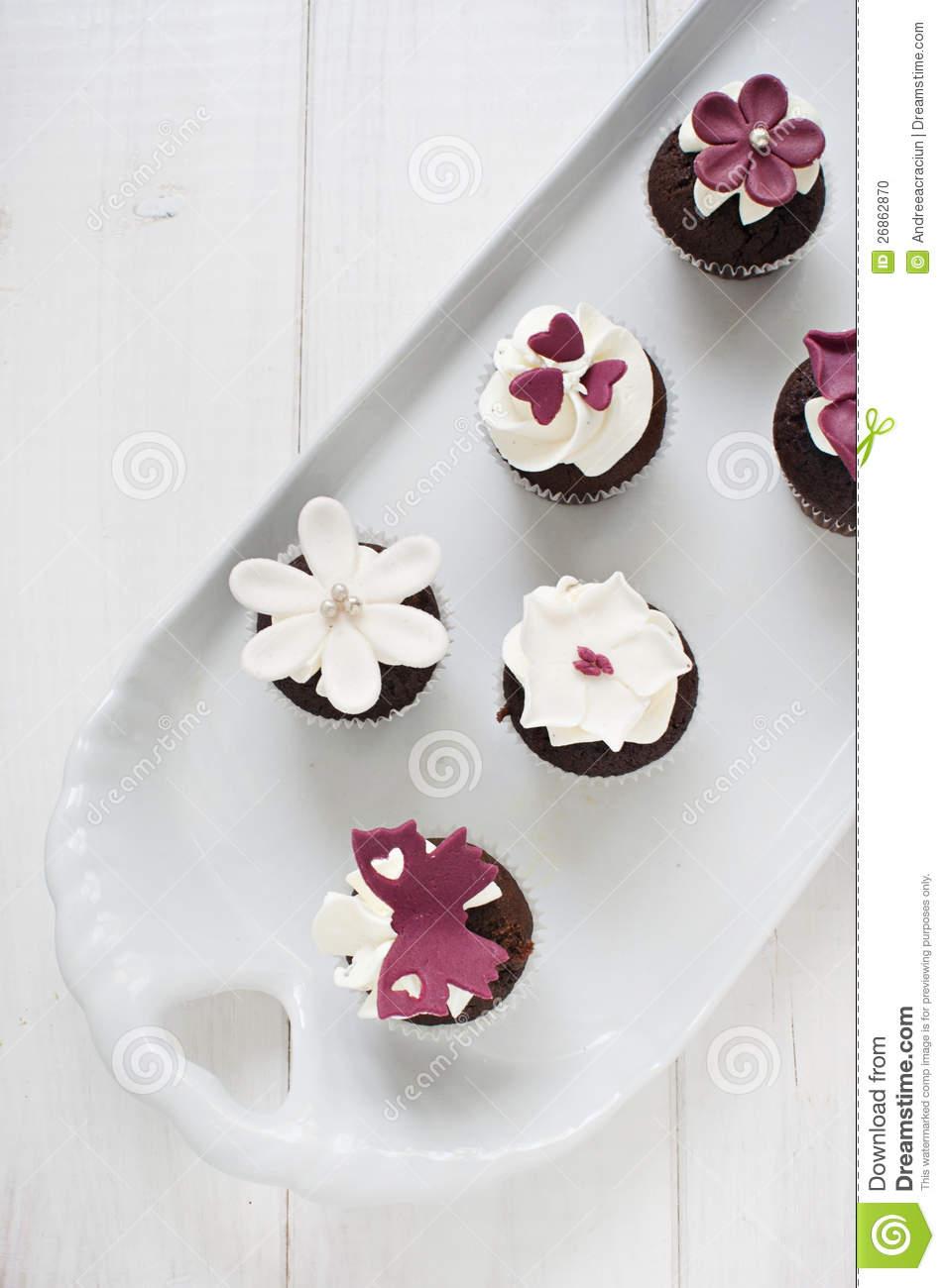 Wedding Cupcakes with Fondant Flowers