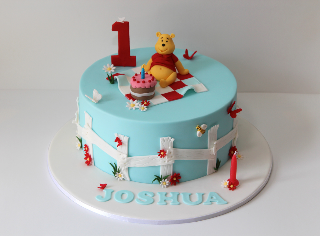 7 Photos of Creative Cakes Winnie The Pooh