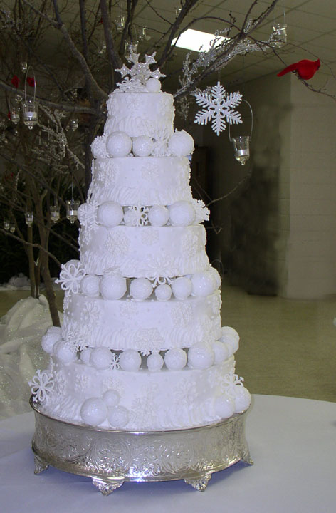Winter-Themed Wedding Cake