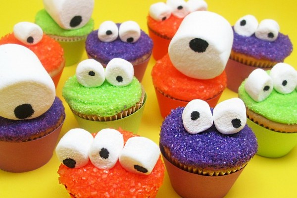 Cute and Easy Halloween Cupcakes