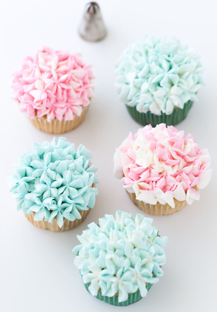 Flower Cupcakes with Frosting