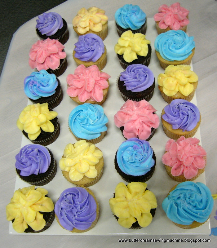 Frosting Flowers On Cupcakes