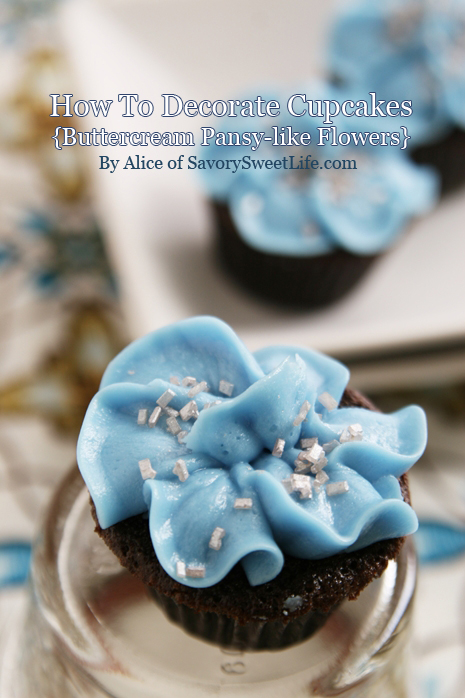 How to Decorate Cupcakes Like Flowers
