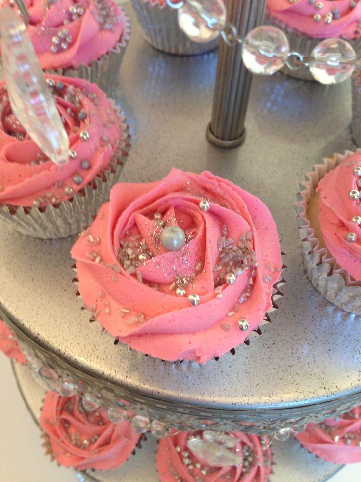 Sweet 16 Birthday Cupcake Cake