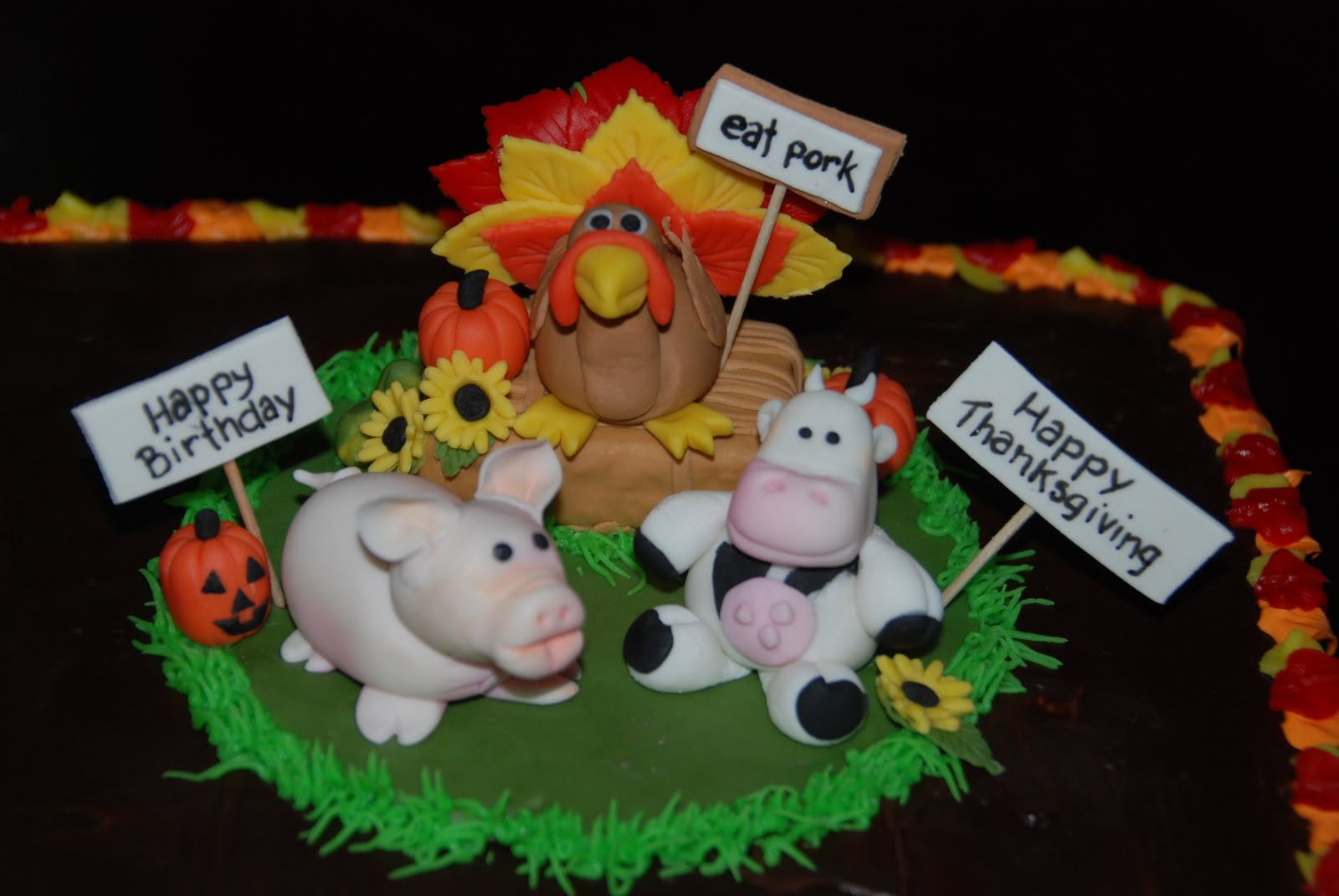 12 Photos of Thanksgiving And November Birthday Cakes