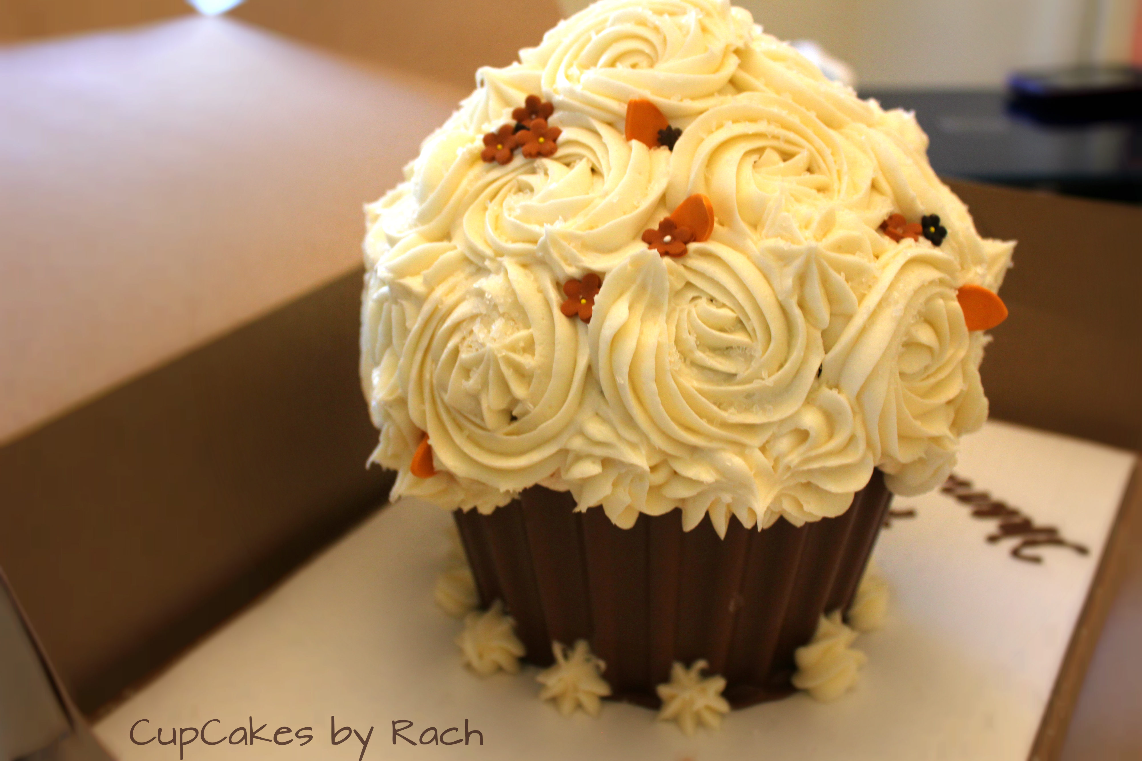 Thanksgiving Giant Cupcake Cake