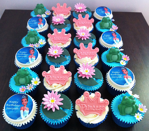 The Princess and Frog Themed Cupcakes