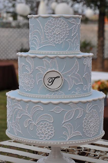 Vintage Blue and White Wedding Cake