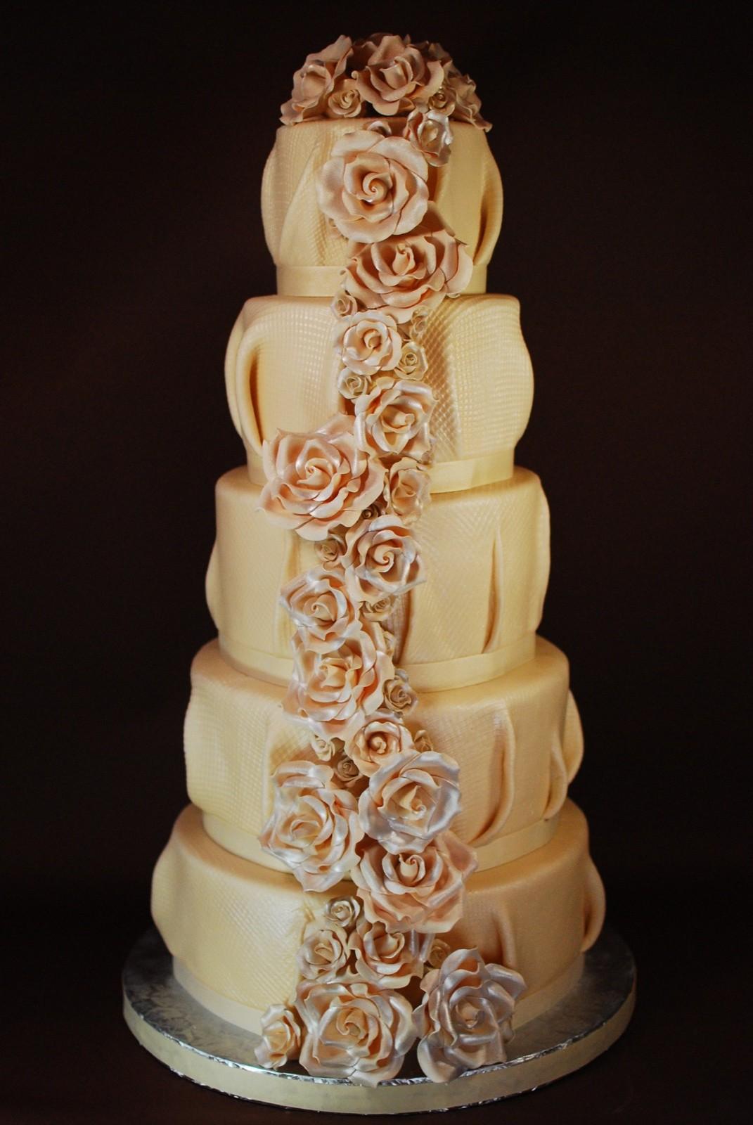 Burlap Wedding Cake with Roses