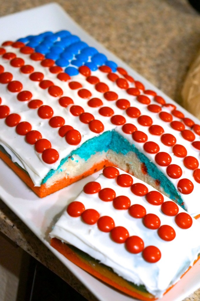 Easy 4th of July Flag Cake