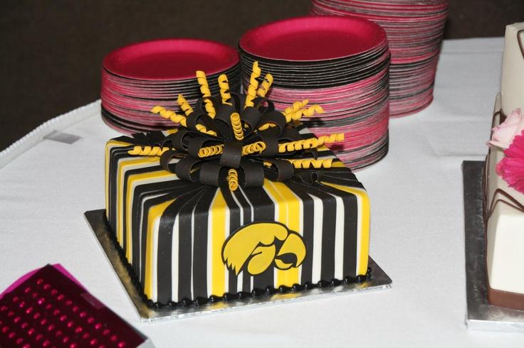 Iowa Hawkeye Wedding Cake
