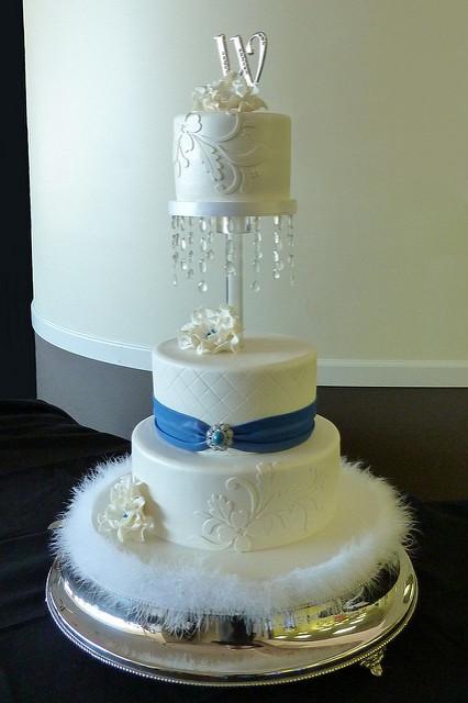 Old Hollywood Glam Wedding Cake