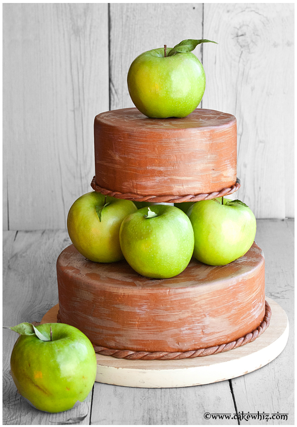 9 Photos of Fall Themed Cakes With Apple's